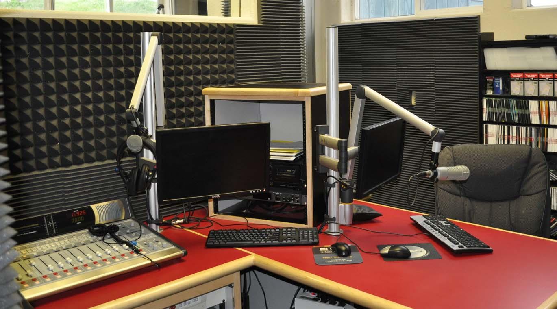 Radyo Yayın Stüdyo Dekoru